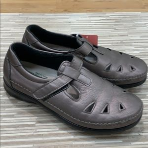 SAS loafers 8 wide Preowned